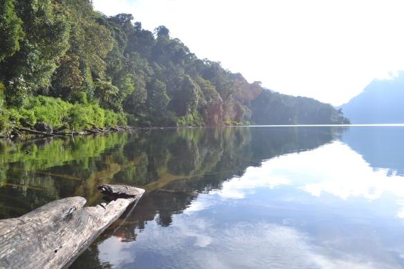 Kejernihan Danau Gunung Tujuh