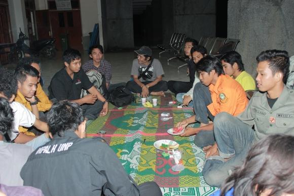 Acara santai selepas makan